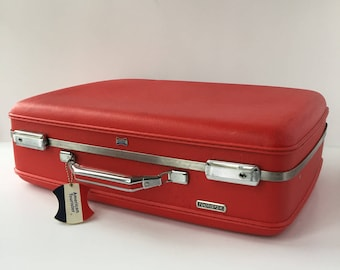 American Tourister Luggage, Vintage Weekender Suitcase, Tourister Series Case, Lipstick Red Suitcase, Hardshell Carry-on Overnight Luggage