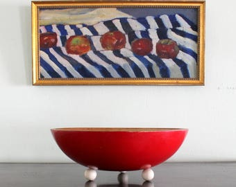 Vintage Munsing Red Maple wood Bowl. mid century modern. Munsing Woodenware Co. 13 inch diameter. 4 inches deep 3 white ball feet excellent.