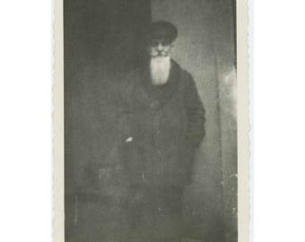 """Vintage Snapshot Photo: """"An Old Man in Praka"""" [Prague] (74573)"""