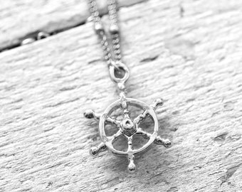 WHEEL necklace with steering   silver
