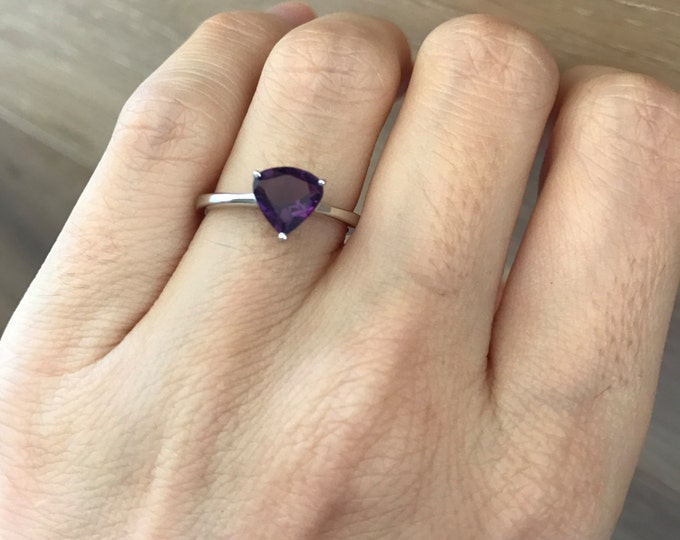 Trillion Cut Amethyst Ring- Stackable Purple Gemstone Ring- Sterling Silver Prong Ring- February Birthstone Triangle Ring- Boho Chic Ring