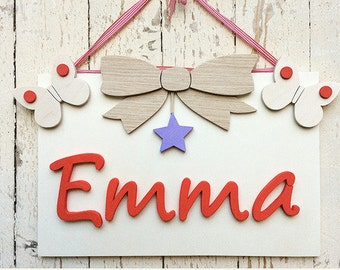 Wooden square with name. Customizable decoration for children's bedroom