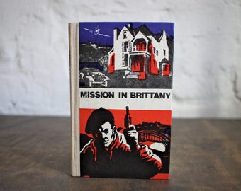 """Upcycled Tartuensis Classic Notebook """"Mission"""" from old book covers"""