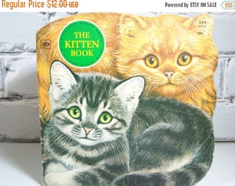 ON SALE The Kitten Book. A Golden Shape Book. Circa 1979. Children's Bedtime Stories. Retro Memories. Cute and Cuddly. Snuggle Time.