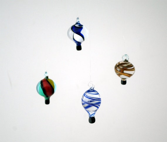 e00-60 Miniature Hot Air Balloon (1 piece for price shown)