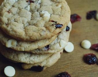VEGAN White Chocolate Cranberry Cookies // Vegan Food