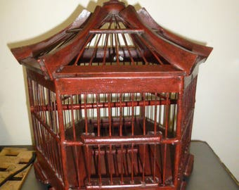 Charming Wood Birdcage -Chinese/Asian Pagoda Form - Sliding door - Removable grate and bottom for cleaning - Stylish functional  decor