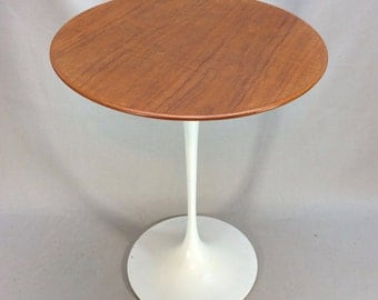Euro Saarinen Wood top side table original 1950's Knoll tag