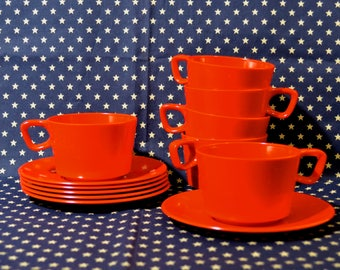 Set of 6 Picnic Cups & Saucers in Pimiento Melamine, Six WACA Germany Bittersweet Red Plastic Stacking Tea or Coffee Cups w Matching Saucers