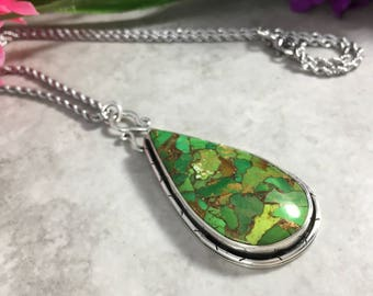 Green Elegance Pendant