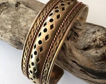 Vintage Artisan Brass Cuff Bracelet, Brass Bracelet, Copper detail, vintage jewelry, Artisan jewelry