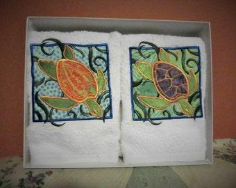 Applique Tropical Batik Sea Turtle guest or accent towels. Set of 2