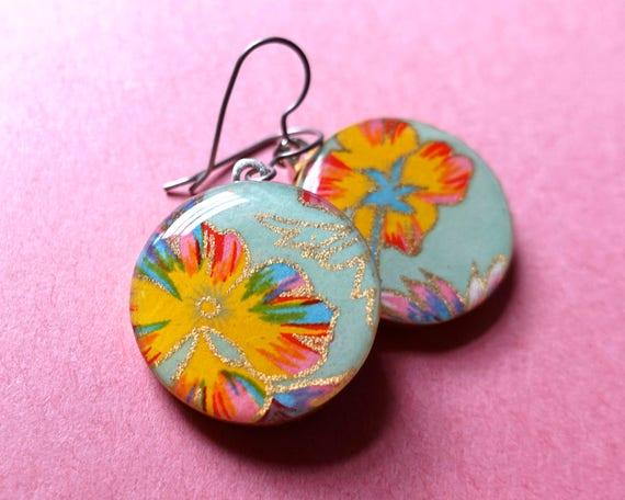 Green earrings, flower earrings, floral earrings, nature lover, hippie earrings, boho earrings, boho jewelry, bohemian, rainbow earrings