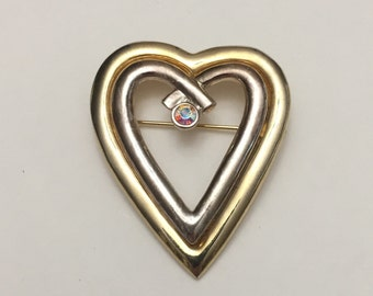 Vintage Gold Tone Heart Brooch Pin - Costume Jewelry - Women's Accessories - Collectible Brooch
