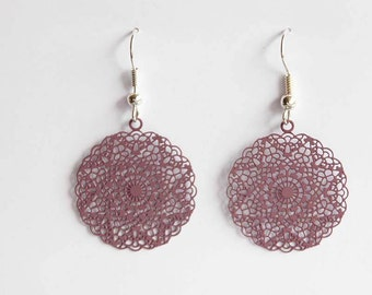 Middle ornament earrings in Eggplant