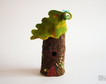 Oak stump lamp, Fairy house lamp, Tree stump house, baby shower, Felted fairy lamp, Waldorf nursery, Felted lamp cover, brown and green lamp