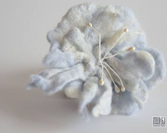 Light blue flower,small wool flower, Felted flower brooch, Pastel blue flower, Floral jewelry, Wet felted flower, Spring fashion