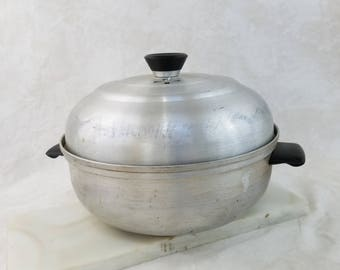 Vintage Aluminum Bun Warmer, Mirro Aluminum Three Piece Steamer, Bakelite Handles, Bread Warmer, Vintage Collectible Kitchen, Made in USA
