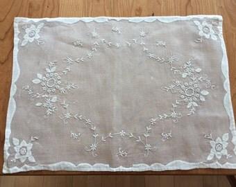 Set of 5 Vintage Linen Placemats