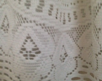 Set of Valances White Lace with Scalloped and Flower Designs