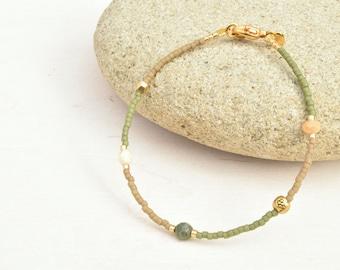 Olive green bracelet, Minimalist jewelry, Seed beads bracelet, Boho jewelry, Facet beads bracelet, Gift for her, Miyuki bracelet