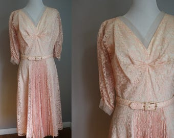 1950's Light Pink Lace Dress // Medium