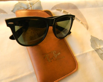 True Vintage Rare  Ray-Ban Wayfarer ||  7 B R L hinges Sunglasses. With Original Ray Ban Case. Made in USA.70's