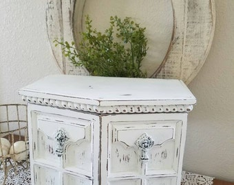 Large Jewelry BOX White Shabby chic - Jewelry Chest - Painted Jewelry Box