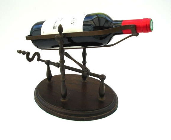 A Good Vintage Wine Decanting Cradle