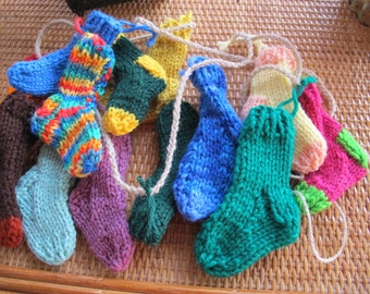 Bright funky mini sock garland (6 ft) / Rustic Christmas garland / sock bunting / Free shipping / miniature stocking