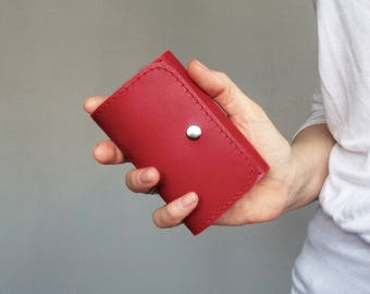 Red leather key case / key holder / key wallet / key chain. Gift for her under 20usd.