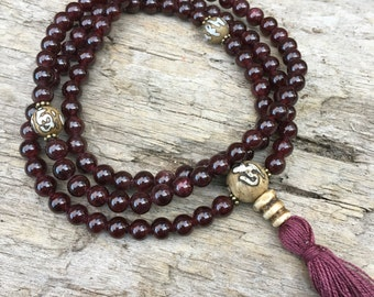 Garnet and Auspicious Conch  Buddhist mala prayer bead Yoga necklace B008