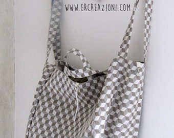Maxi Bag in heavy linen, ecru and ivory.