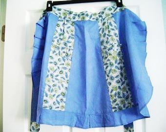 Vintage Blue and White Cotton Apron, Vintage Blue Apron, Vintage Feather Print Apron