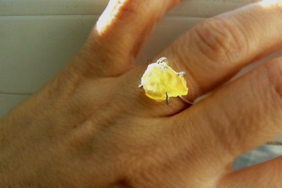 Raw Honey opal silver ring- Yellow raw opal sterling silver size 7 ring- Rough rare stone ring- Jewelry women ring- Fashion ring- Women gift