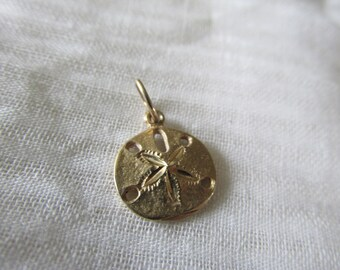 "Vintage SANDDOLLAR CHARM 9K Unmarked (Tested) Measures 1/2"" Round Ornate and Detailed Design Collectible Bracelet/Charm Pendant"