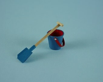 Blue Beach Bucket and Spade, Sand Pail and Shovel  - 1:12 or 1/12 Scale Dollhouse Miniatures for Beach, Garden, Toy Store or Shop, Vacation