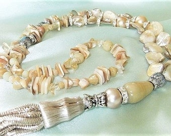 Long necklace made of mother of Pearl cream beige Y chain necklace