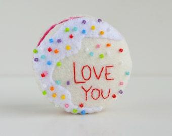 100% Acrylic Felt 'Love You'  Valentine's Macaron Mini Pin Cushion.