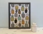 Tableau d'affichage babillard aimanté recouvert tissu ananas organisation bureau organiser afficher fruits tropicaux décoration murale