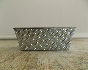 Vintage Basket Weave Pattern Loaf Pan | Aluminum Embossed Baking Tins 7 1/2 Inches