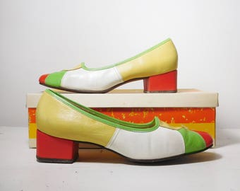 1 Pair of Naturalizer Funsters Shoes Yellow Green White and Red Size 8 With The Original Box Vintage