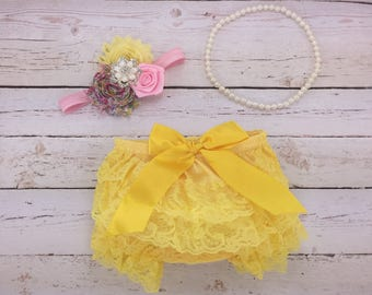3 pc SET- floral print / light pink / yellow Baby Girl Bloomer - Lace Baby Bloomer / headband / pearl necklace