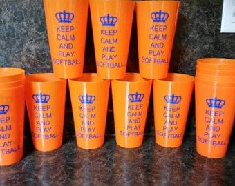 Sale!! Keep calm and play softball vinyl saying on a Orange plastic 22.8 oz cup.  Makes great gifts