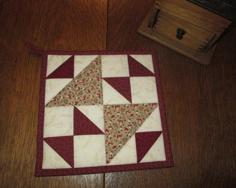 Quilted Potholders / Hotpads / Mug Rugs / Candle Mats / Trivet HP103