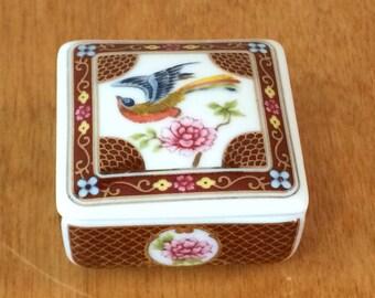 Del Prado Porcelain Pill Trinket Box - Hand Painted, EP 4