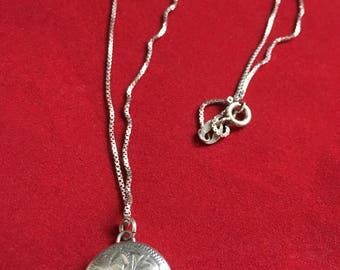 Vintage Sterling Locket Pendant & Chain