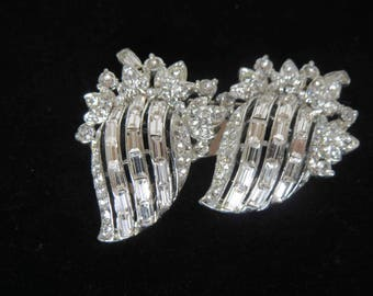 CORO DUETTE Crystal Clear Baguette & Chaton Brooch/Dress Clip - Signed