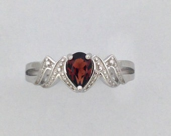 "Natural Garnet ""MOM"" Ring 925 Sterling Silver"