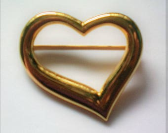 Large Gold tone Open Heart Valentine Pin - 5335